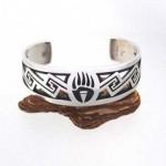 ベアパウ|ホピ族 柄 意味について