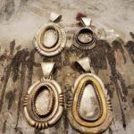 ナバホ族の新作ペンダント… 誰の作品でしょうか?